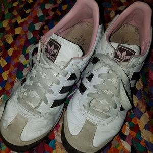 Retro adidas sneakers. White, brown, pink.